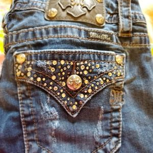 Miss Me Jeweled Mid Rise Easy Stretch Shorts 30